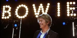 David-Bowie_Chicago_2002